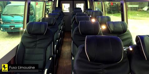 nội thất bên trong của xe fuso limousine