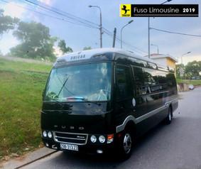 mặt trước xe Fuso Limousine 18 chỗ đời 2020