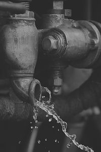 water%20drop%20on%20brass%20pipe_edited.