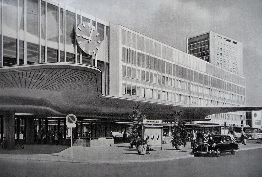 Neue Schalterhallte ca. 1960