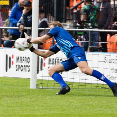 Lehmann diving save close up.jpg