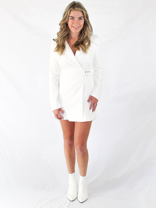 Clever white dress