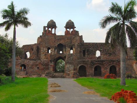 Exploring the 'Famed' Old Fort Walk with Moby Sara Zachariah