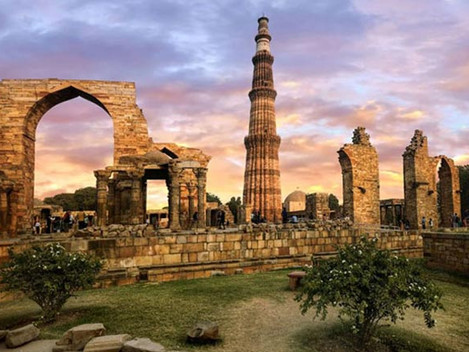 A Walk to Remember: Qutb Complex with Abdullah Hashmi