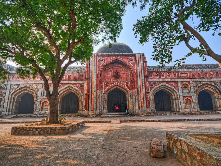 The Untold Story of Mehrauli Archaelogical Park with Davangi Pathak