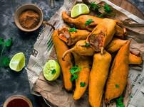 Taste the local snacks of the city with Rishi Raj Jodha
