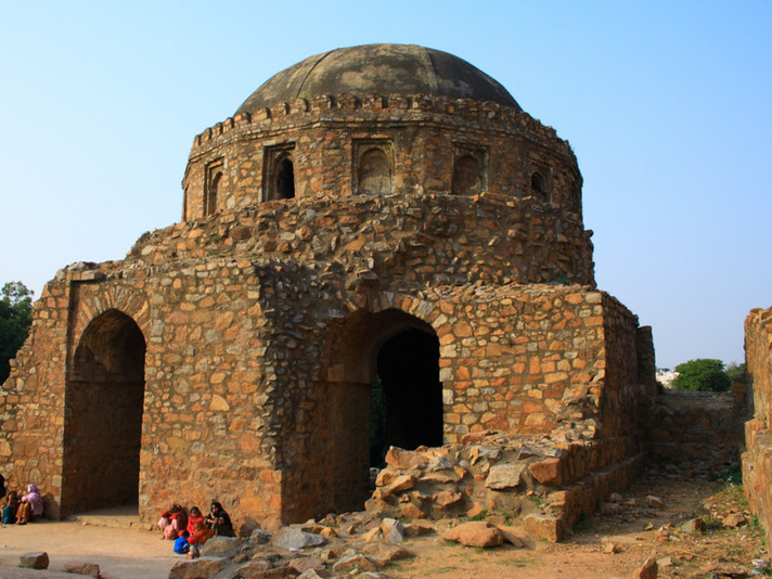 A Visit to the Fascinating Jahanpanah Complex with Moby