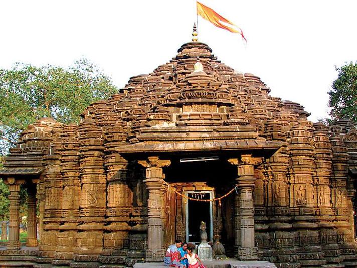 A walk to Ancient Shaivite Temple of Ambernath, Mumbai with Vallari Joshi