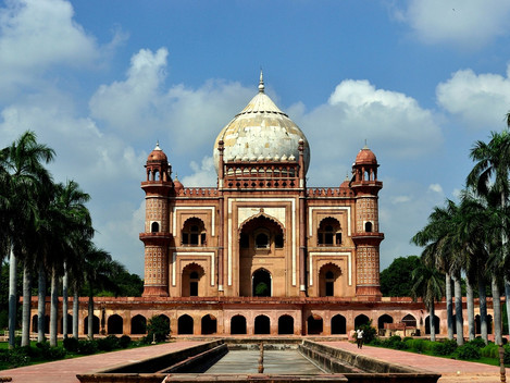 Exploring the Unknown Mughal Marvel - Safdarjung's Tomb with Moby Sara Zachariah
