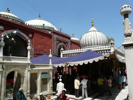 Nizamuddin Basti: A Spritual Ghetto with Gaurav Sharma