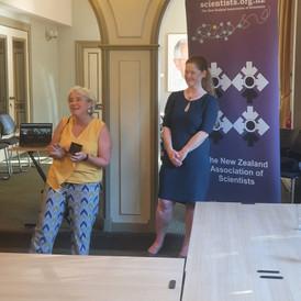Frédérique Vanholsbeeck wins the Hill Tinsley Medal