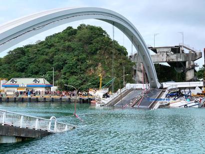 南方澳跨海大橋坍塌第一現場。圖片來源:翔隆航太(未經允許請勿轉載)