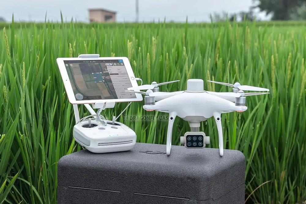 在攜帶方面則更是P4M的優勢,輕便的手提箱,可裝入無人機、遙控器、5顆飛行電池、備用槳等等設備,隨手一提即可出發作業,相較於另外兩台,絕對是輕鬆無比。圖片來源:DJI官方網站