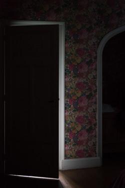 PORTE, door, light, strange