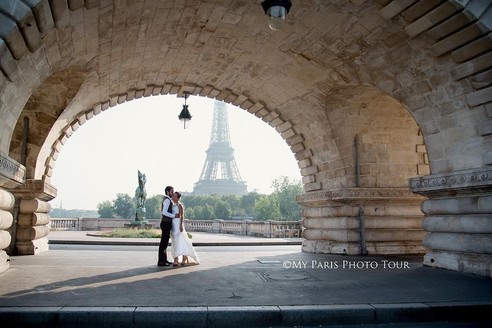 My Paris Photo Tour foto luna de miel postboda Bir Hakeim Paris fotografo español