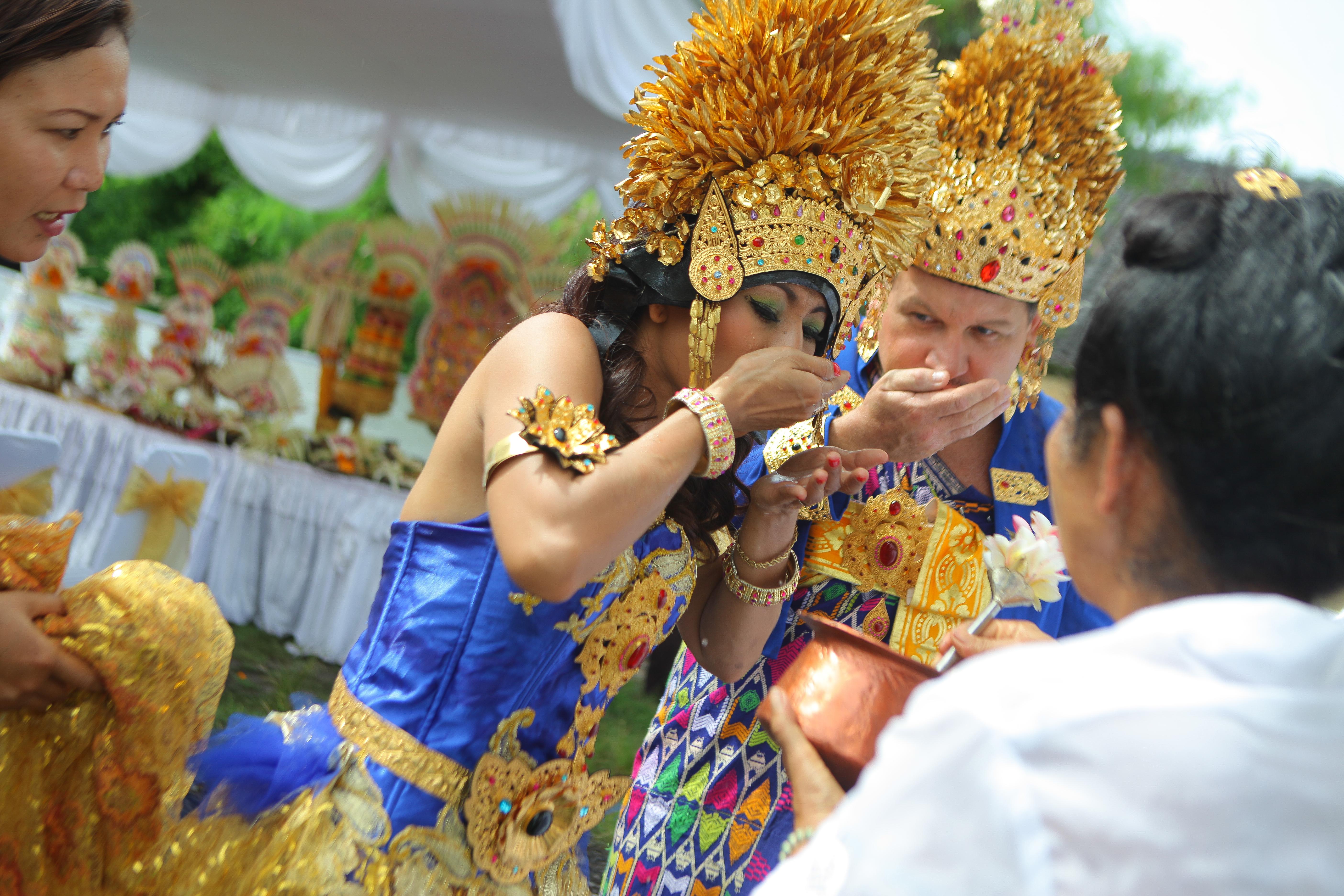 Bali Traditional Wedding Photo