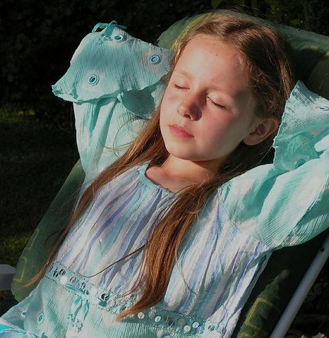 girl-356606_1920_edited.jpg
