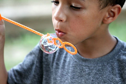 soap-bubble-386641_1920.jpg
