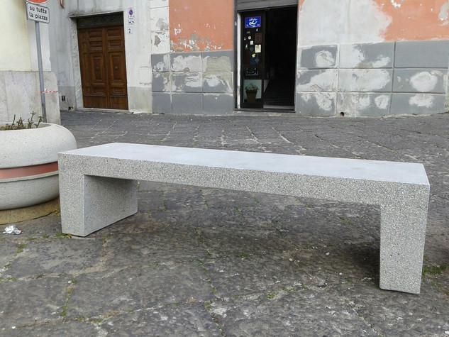 Panchina Lineare.jpg