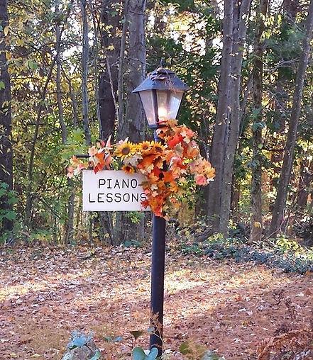 FALL LAMP POST.jpg