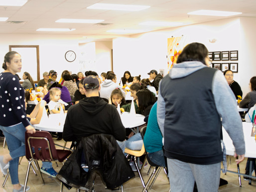 Sapa Un Families & Students Share Thanksgiving Meal