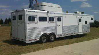 platinum horse trailer, witherspoon ranch, witherspoon ranch arena, flying w arena, wra