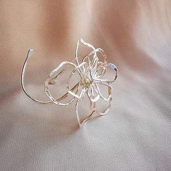 armbandflower.jpg