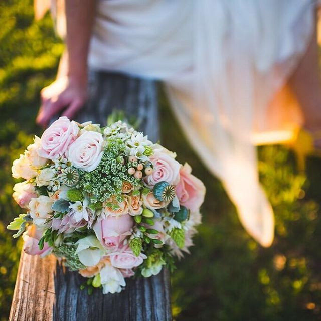 Zoe's bouquet - photographer_ _sethbucha