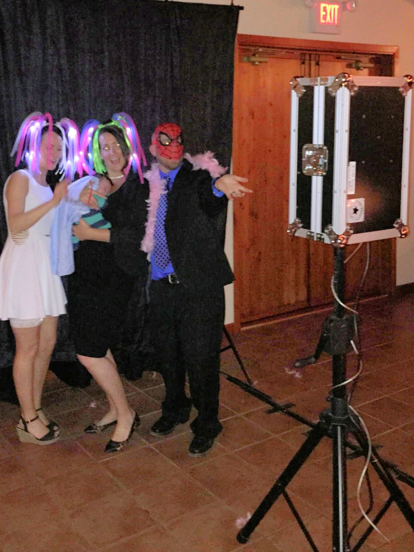 i-DJ Services Photo Booth Rental