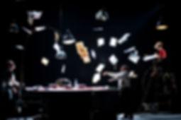 Le professionnel.  Pièce de Dusan Kovacevic. Mise en scène Philippe Lanton. Photo de luc Maréchaux