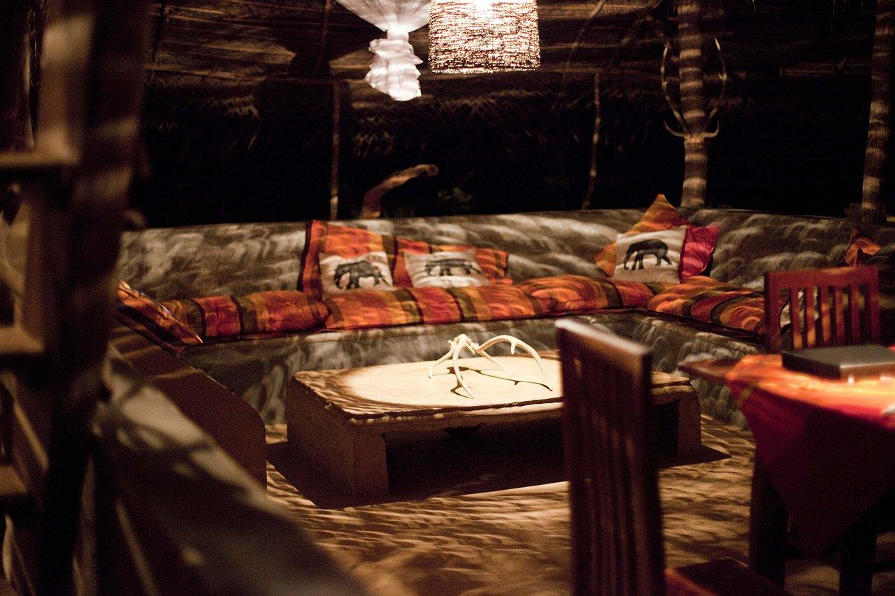 Kumbura at night