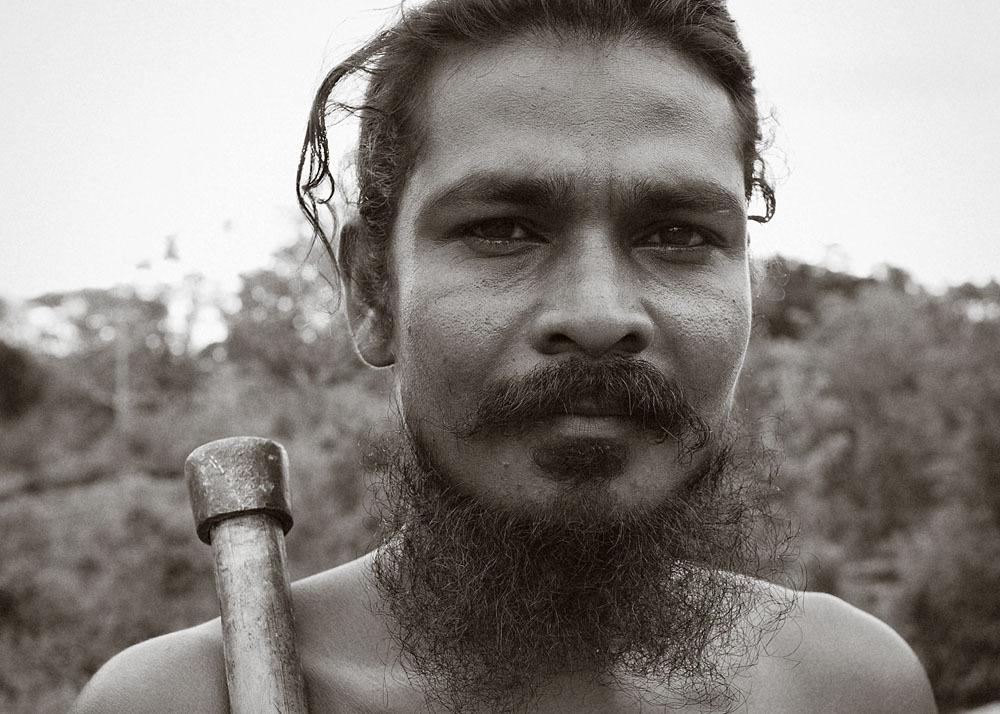 Gunabandiya Uruwarige - Dambana