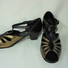 Trambas - New Lace 4.5cm Block Heel $175