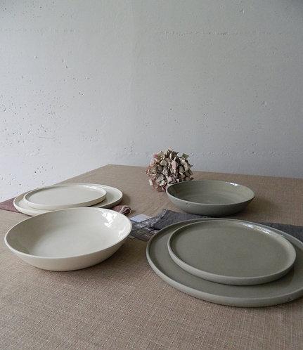 2 posti tavola (2 piatti piani+2 piatti fondi+2 piatti dessert)