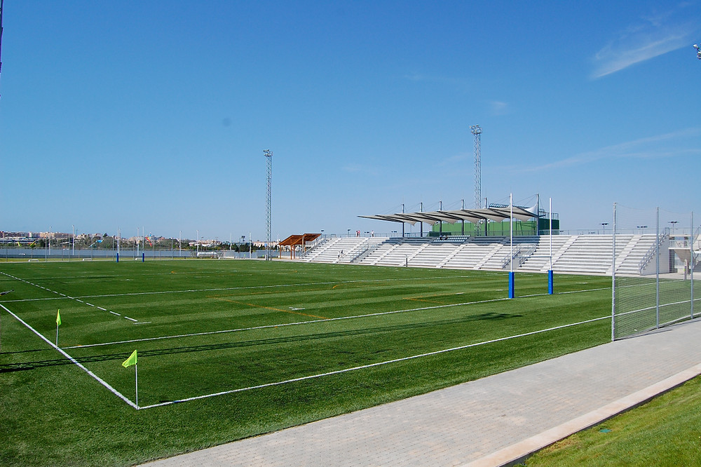 We offer a 4G stadium only 8 minute shuttle from your hotel. Changing rooms, gym, water, equipment, medical kits and side line support.