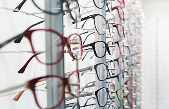Row%20of%20luxury%20eyeglass%20at%20an%2