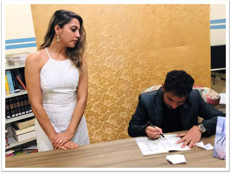Leônidas Brado realiza sessão de autógrafos em Tupanatinga/PE