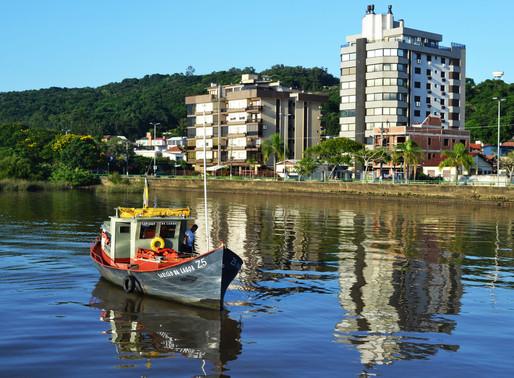 A cidade dá de ombros,                  de Altair Martins
