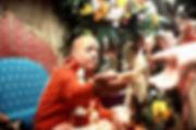 Srila-Prabhupada-distributing-prasadam-c