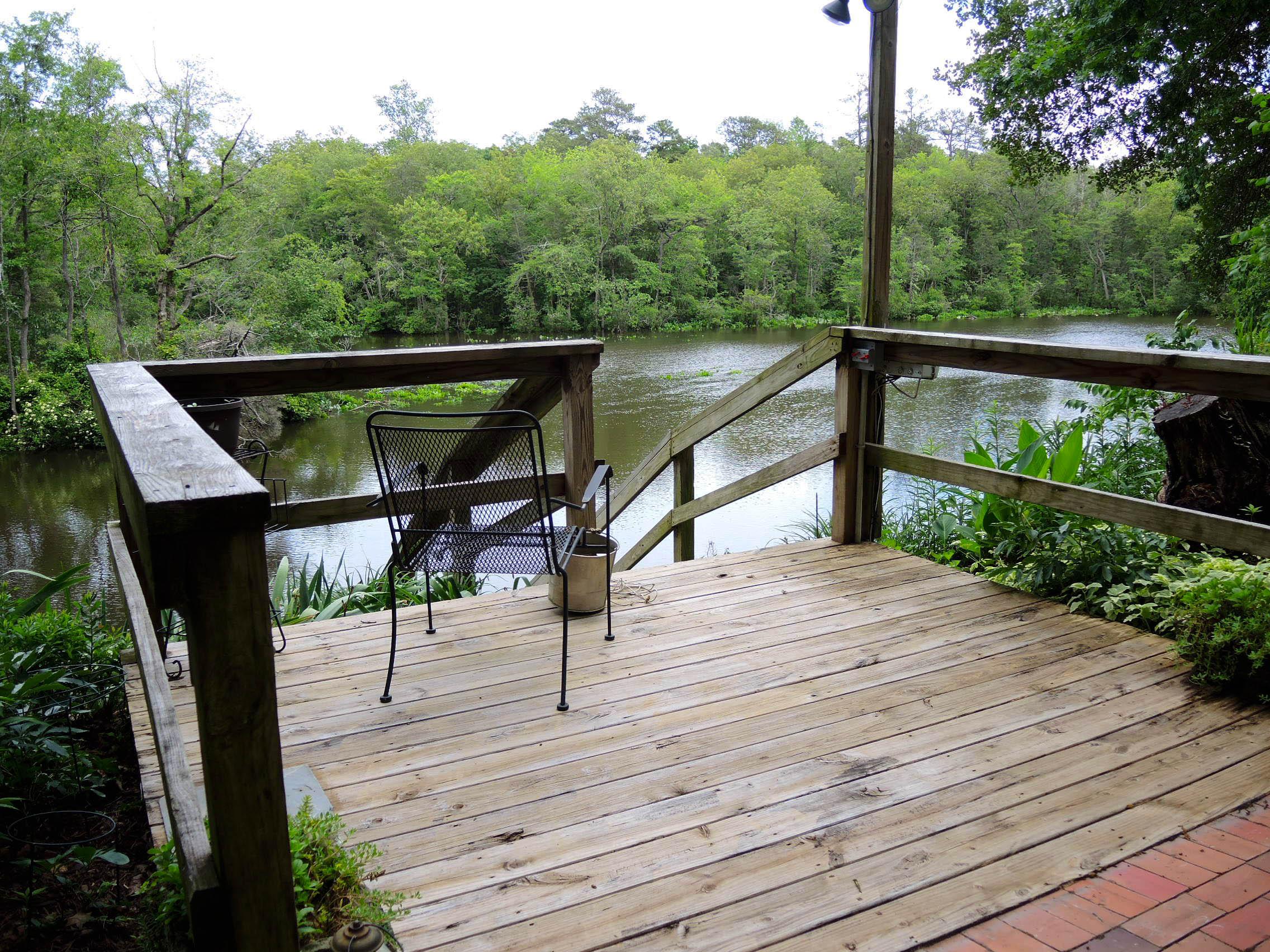 DSCN9895 - Sandi -  river upper deck.jpg