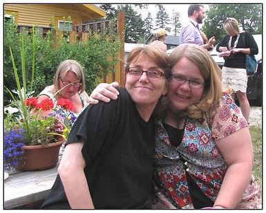 Gwen n Lisa Marie.jpg