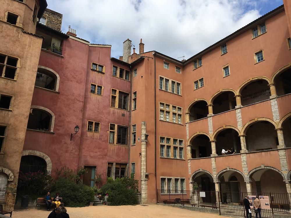 Place des Basoches - Lyon - Septembre 2019