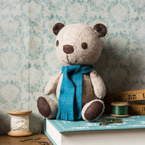 Vintage Teddy Felt Craft Kit - Corinne Lapierre