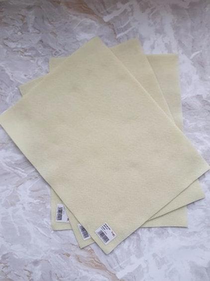 The Craft Factory Felt Cream - Per Sheet