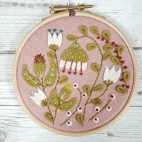Appliqué Folk Garden Hoop Mini Kit - Corinne Lapierre