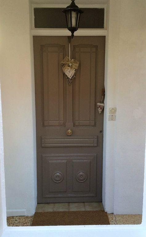 Front Door Entrance to Apt