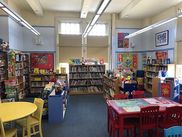 PS121Q school library