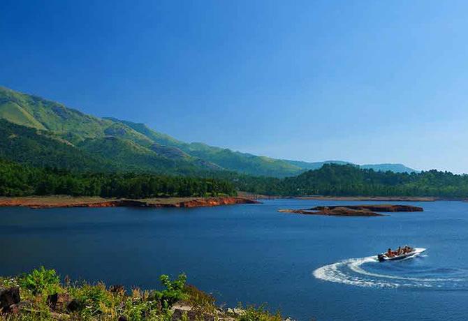 Speed Boating at BanasuraSagar Dam