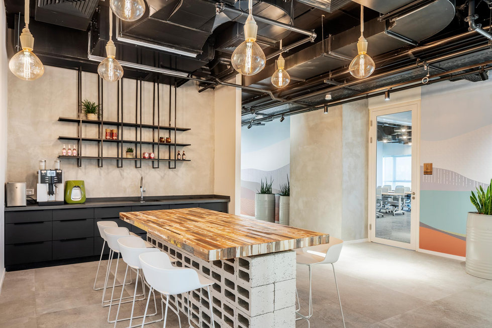 Servicenow cafe place and wall design