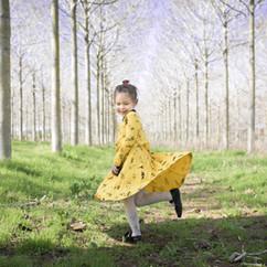 שמלה שמחה ומסתובב